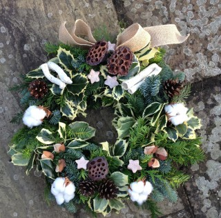 Driftwood Flowers Christmas Wreath