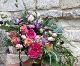 Mixed roses bridal bouquet from Driftwood Flowers