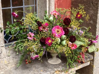 Mixed natural floral display - Driftwood Flowers