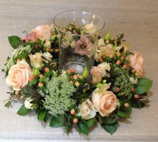 Pale peach rose table display