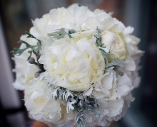 Simple white and sliver bridal bouquet from Driftwood Flowers