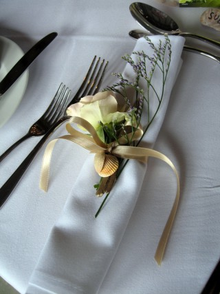 Table napkin decoration