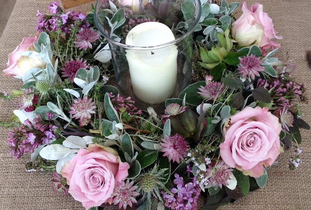 Lilac rose table display