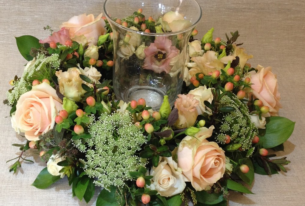 Pale peach rose table display