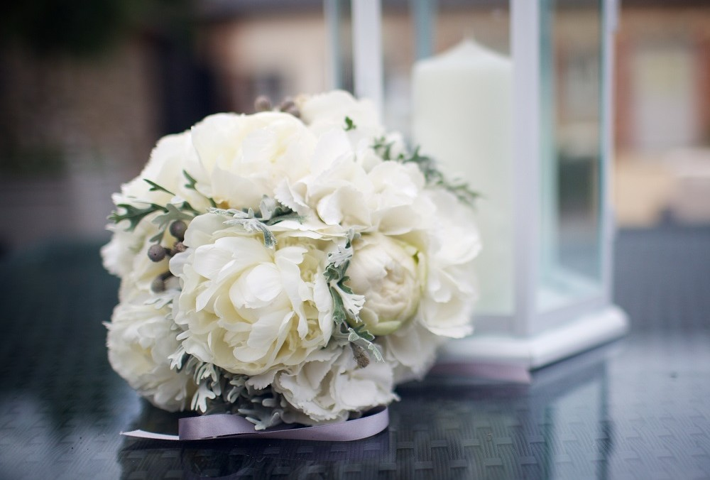 Simple white wedding flowers bouquet from Driftwood Flowers