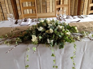 White flower spray table display - Driftwood Flowers